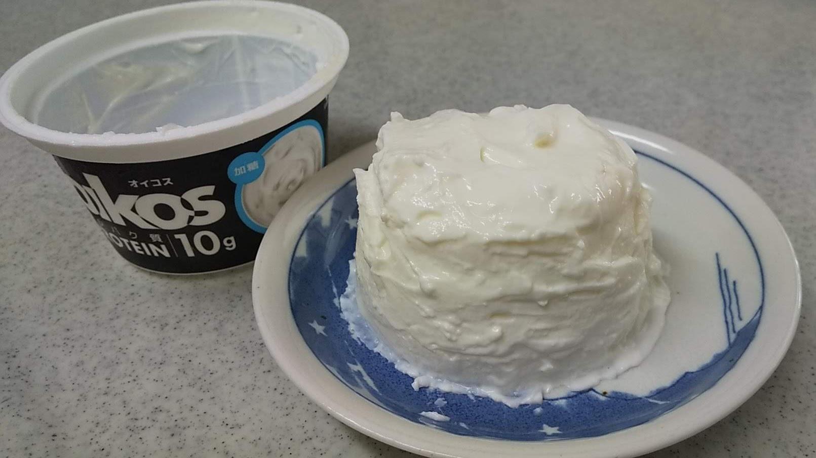 オイコス簡単レアチーズケーキ